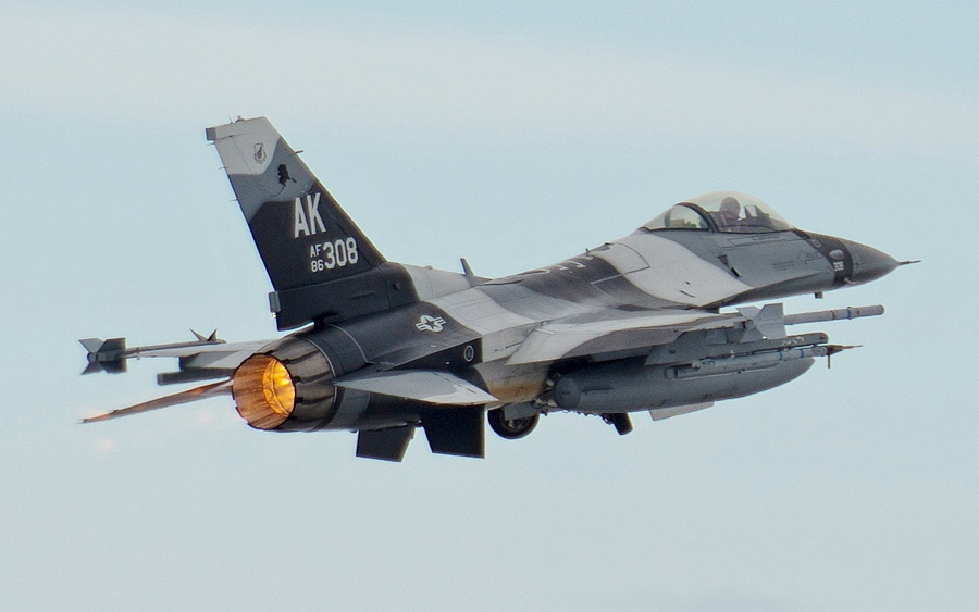 An F-16 fighter jet similar to the ones the Philippines recently bought.  (Photo from Wikipedia/Tech. Sgt. Joseph Swafford Jr.)