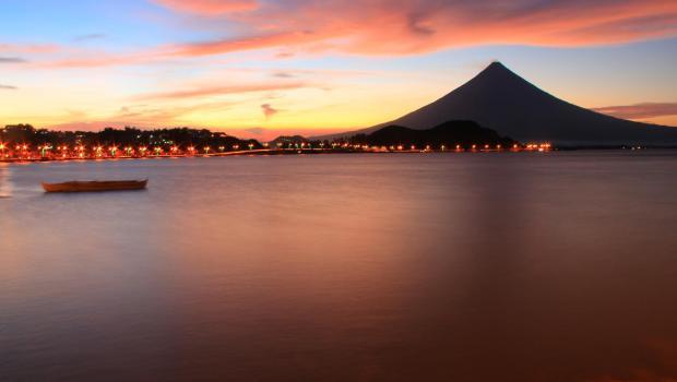 Mayon Volcano at Legazpi City (Photo from Wow Legazpi)