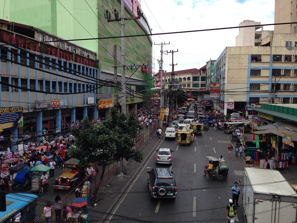 "Recto Avenue, Manila's ""Main Street."" View from the Abad Santos overpass. (Rio Hondo / Wikimedia Commons)"