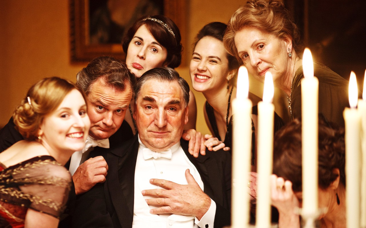 DOWNTON A-BYE? Downton Abbey says goodbye to the series, but not to a possible movie (Facebook)