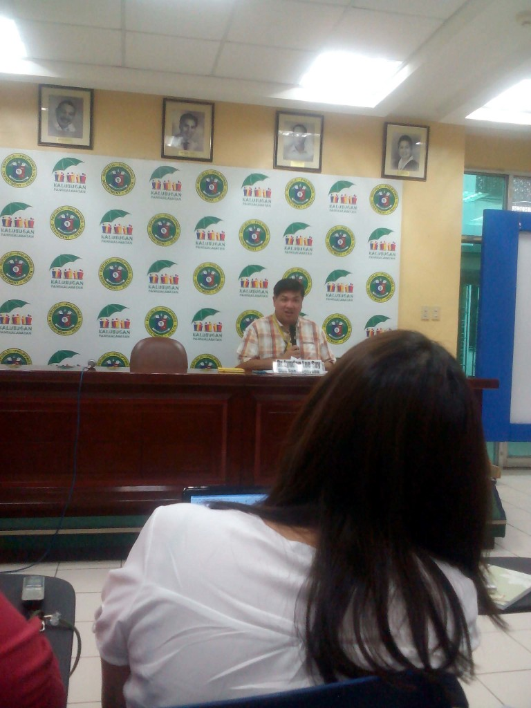 DOH spokesperson Dr. Lyndon Lee-Suy (PNA photo)