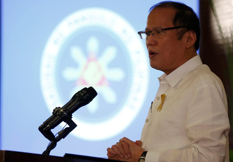 """President Benigno """"Noynoy"""" Aquino III answers questions directed to him during the Press Conference at the Heroes Hall of the Malacañang Palace on Thursday. (September 17, 2015). (Photo from the Malacañang Photo Bureau/Lauro Montellano, Jr.)"""