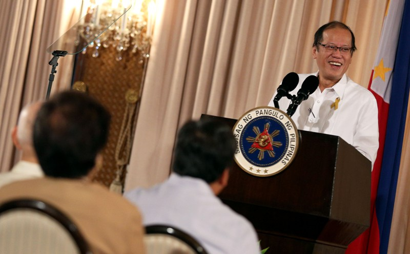 """President Benigno """"Noynoy"""" Aquino III delivers his speech during the Philippine Quality Award (PQA) 17th Conferment Ceremony at the Rizal Hall of the Malacañan Palace on Tuesday (September 22, 2015). (Photo from the Malacañang Photo Bureau/ Joseph Vidal)"""
