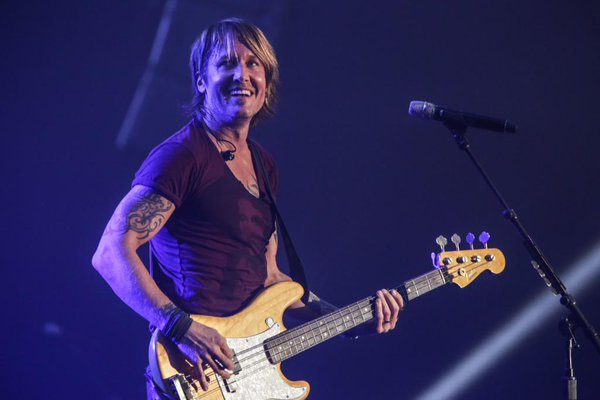 Keith Urban (Photo from Urban's official Twitter account)