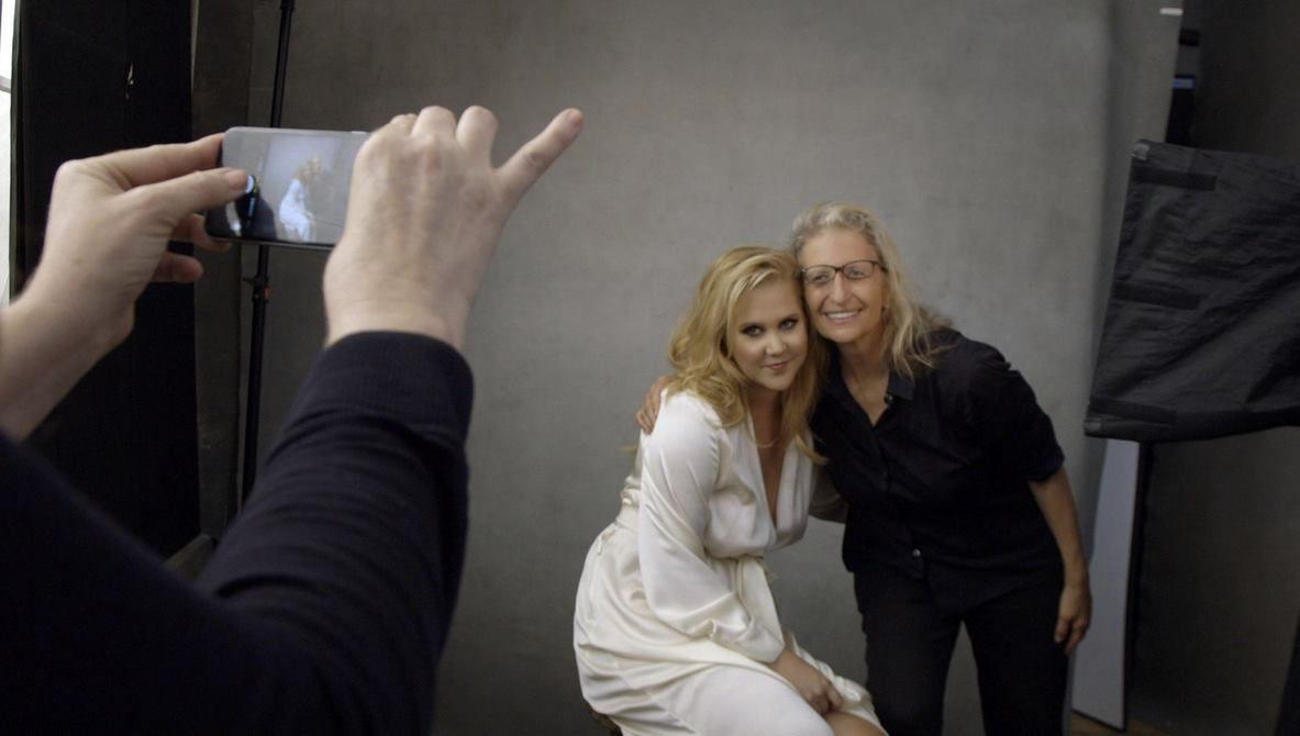 Behind the scenes of the Pirelli calendar shoot, comedienne Amy Schumer with photographer Annie Leibovitz (Photo from Annie Leibovitz' official Facebook page)