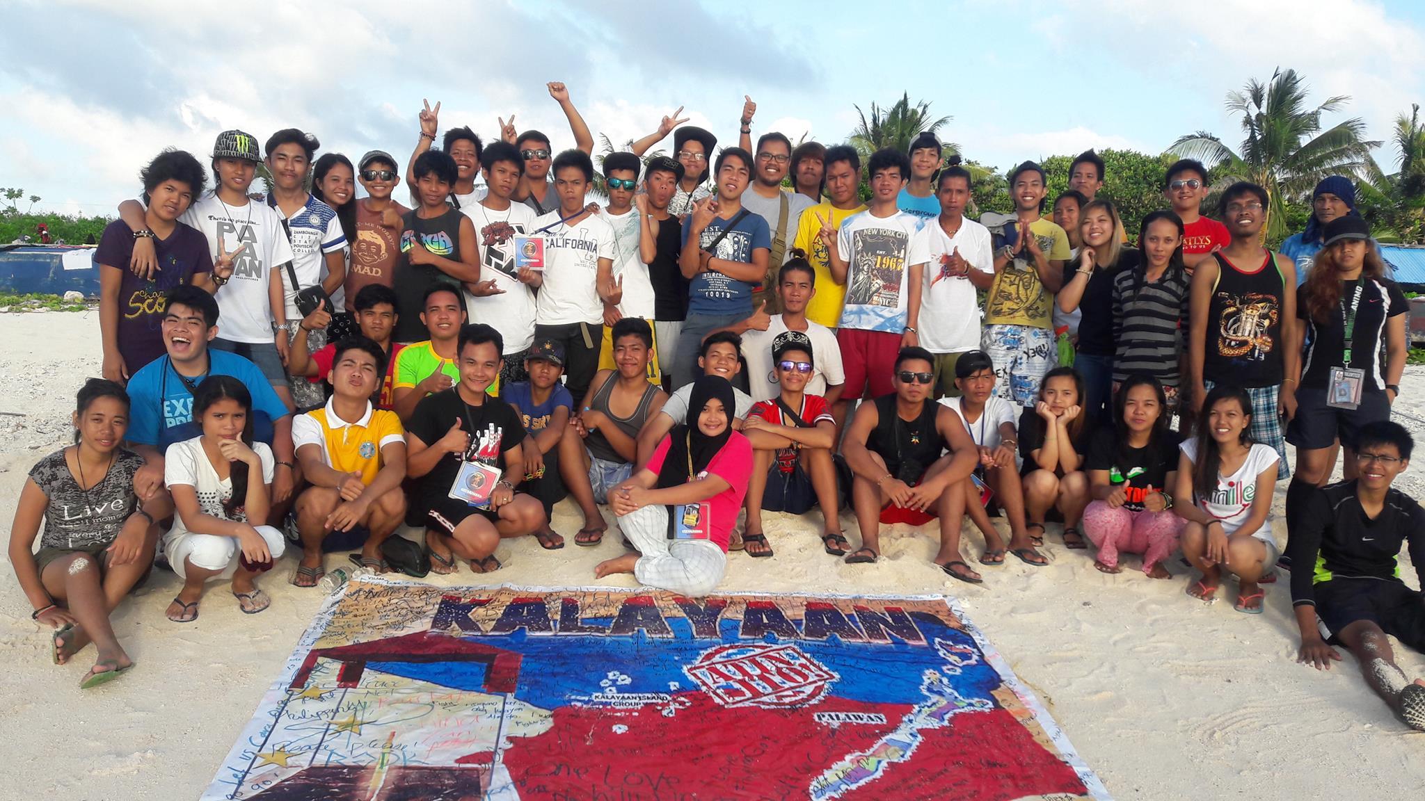 Youth group Kalayaan Atin Ito lands in Kalayaan Island (Facebook photo)