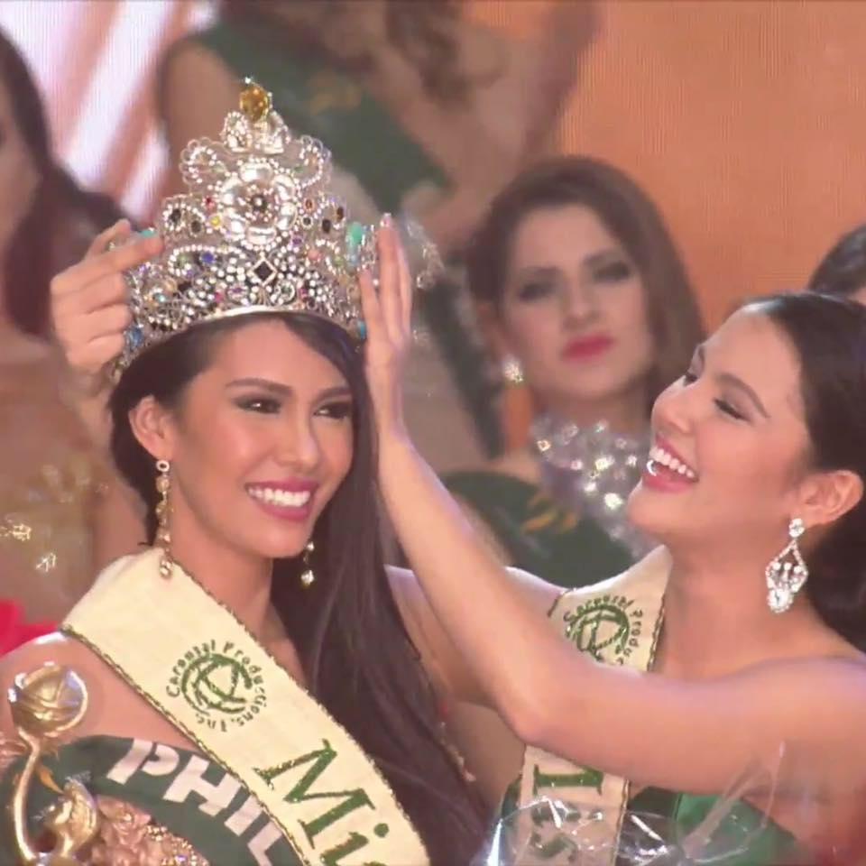 It's a back-to-back Miss Earth win for the Philippines as Angelia Ong takes home the crown this year. (Photo from Miss Earth's official Facebook page)