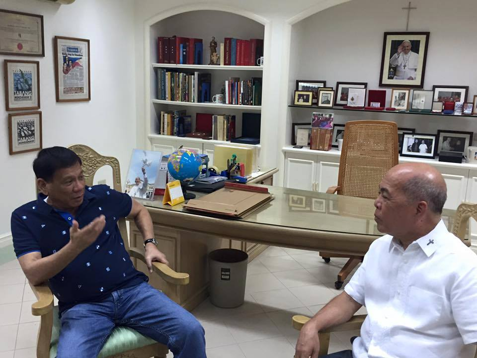 Davao Mayor Rodrigo Duterte and  Davao City Archbishop Romulo Valles (Photo from Facebook)