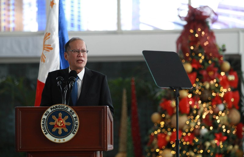 President Benigno S. Aquino III delivers his arrival statement after his Working Visits to France, Italy and Rome, NAIA Terminal 2, Pasay City, 05 Dec 2015. {Photo by Benhur Arcayan/Malacañang Photo Bureau)