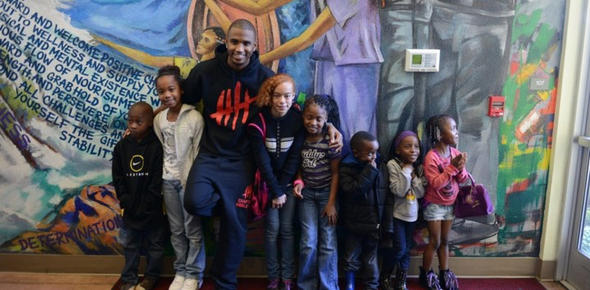DO GOOD WITH TREY. Donate to the Trey Songz Angels with Heart Foundation or volunteer for a day with #Lunchbag (Photo from Songz's website)