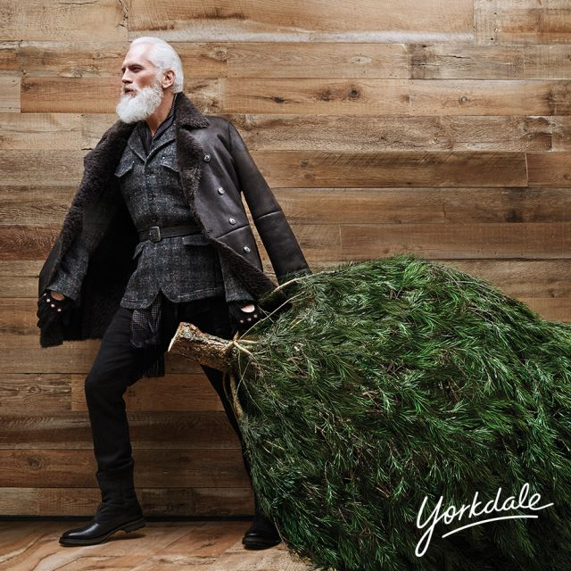 "Paul Mason dubbed as the ""Fashion Santa"" (Photo from the ©Yorkdale Shopping Centre)"