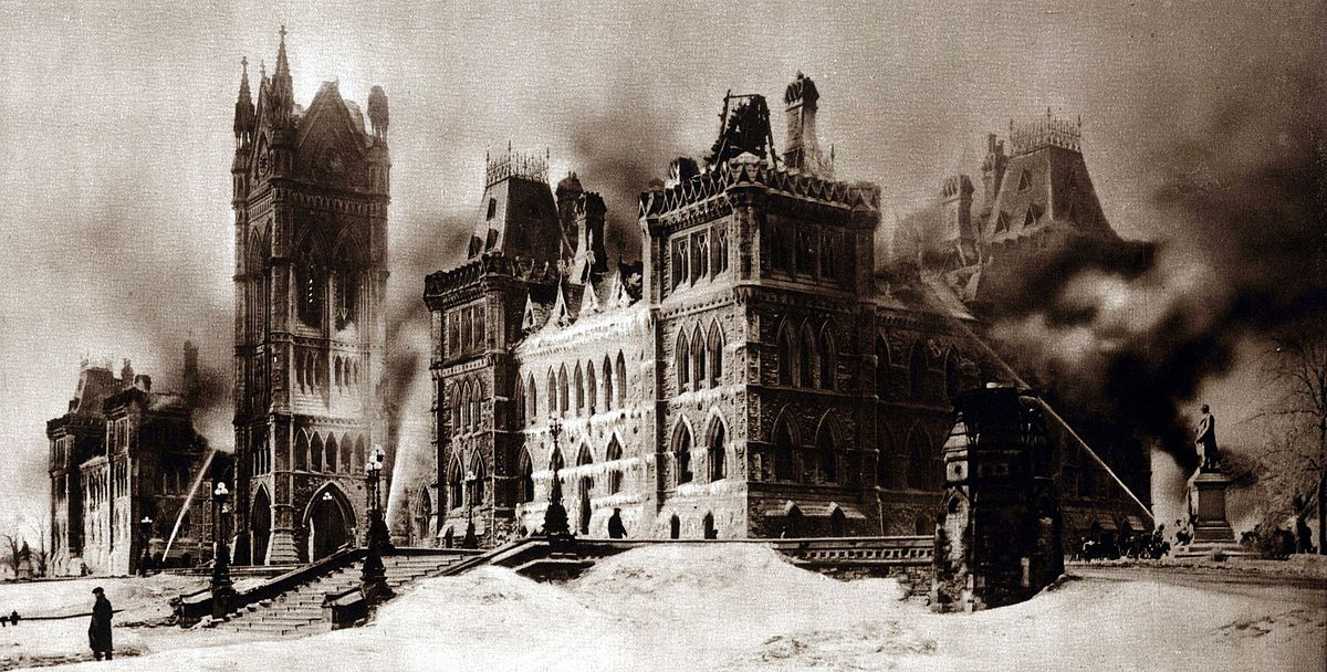 The parliament buildings the morning after the fire of 1916. (Photo and caption from Wikipedia)