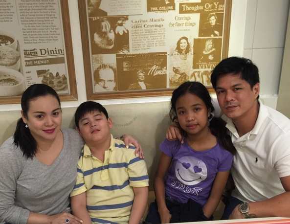 Claudine Barretto and Raymart Santiago with their kids Sabina and Santino.  (Photo from Barretto's official Instagram account)