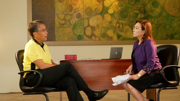 Former DILG Secretary Mar Roxas (left) accepts the challenge to face the country's toughest job interview as he faced veteran broadcast journalist Mel Tiangco (right). (Contributed photo)