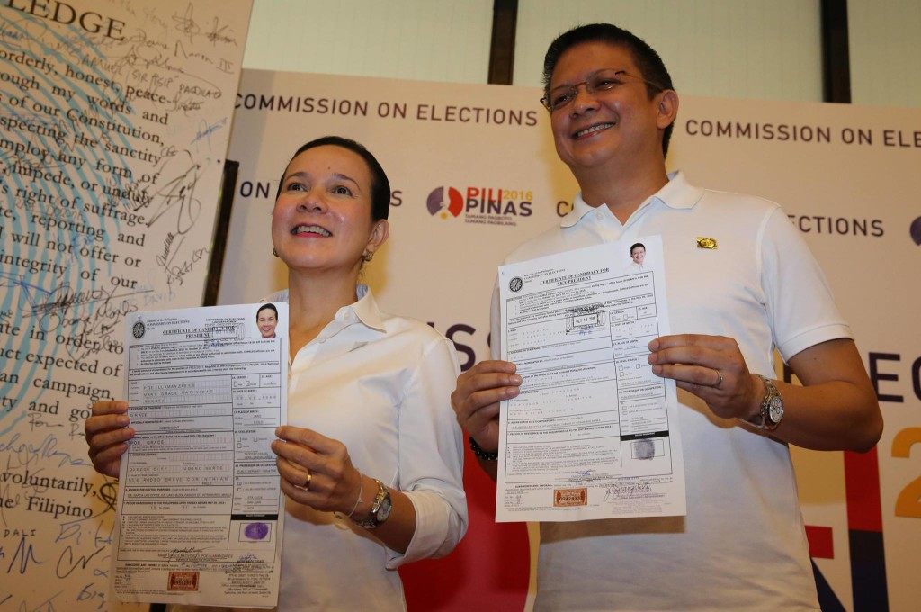 Senators Grace Poe and Chiz Escudero filing their COCs for president and vice president respectively. (Photo from Poe's official Facebook page)