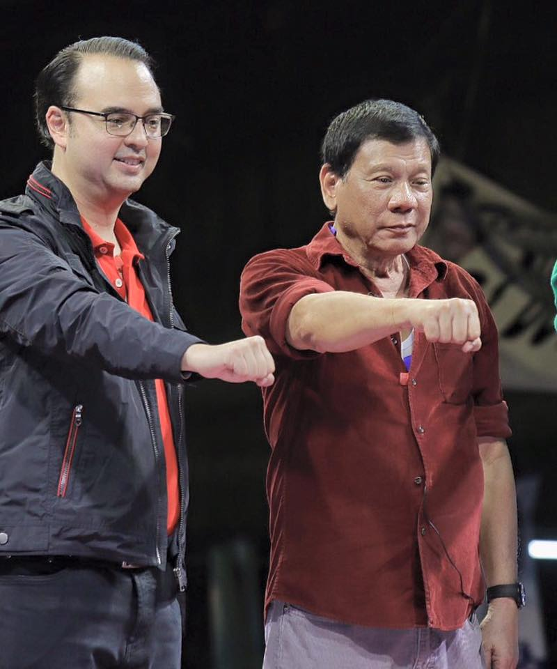 "Vice-presidential candidate Sen. Alan Peter Cayetano (left) and Presidential candidate Rodrigo ""Rody"" Duterte (right) (Photo courtesy of the official Facebook page of Sen. Alan Peter Cayetano)"