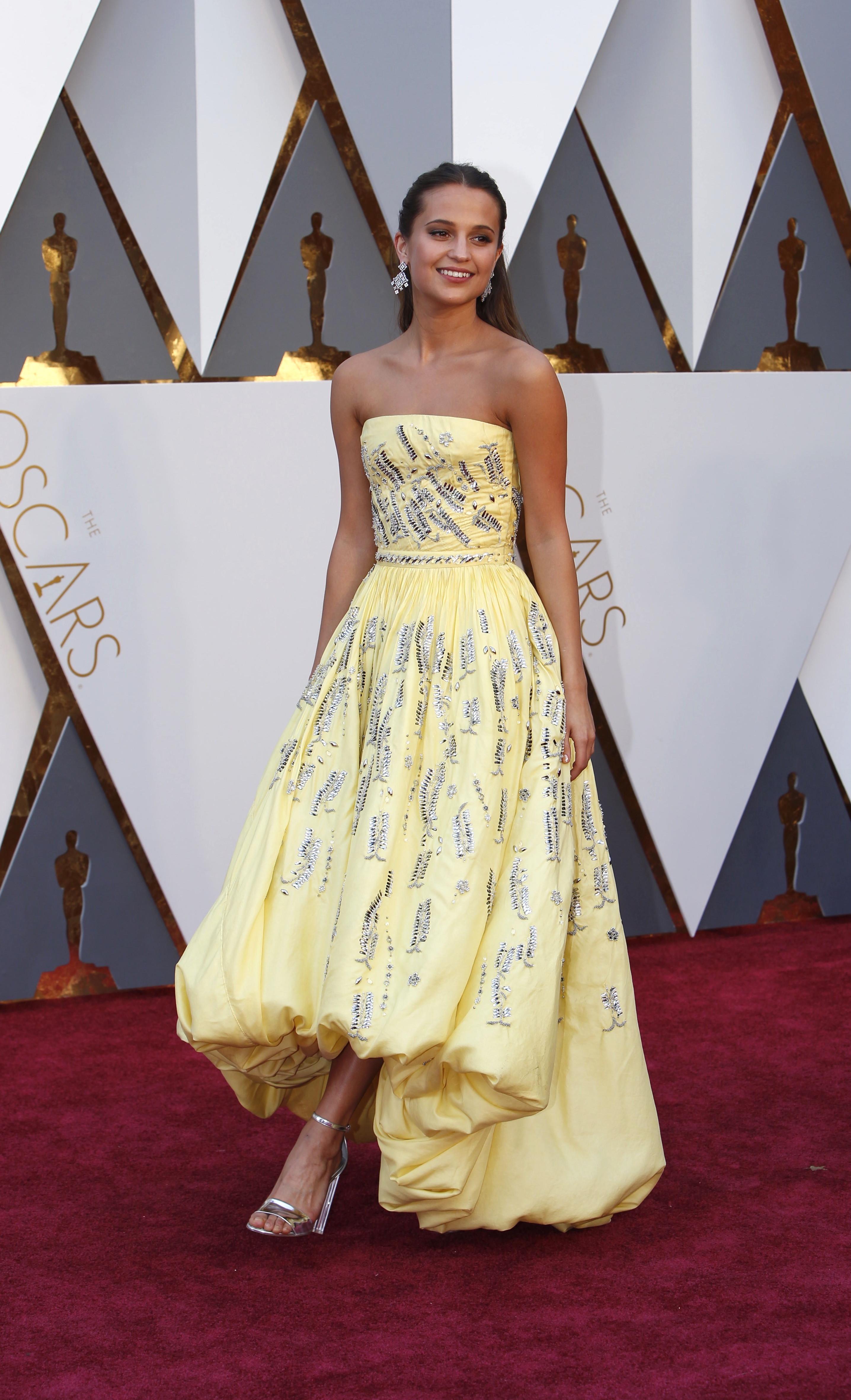 Alicia Vikander at the 88th Academy Awards.