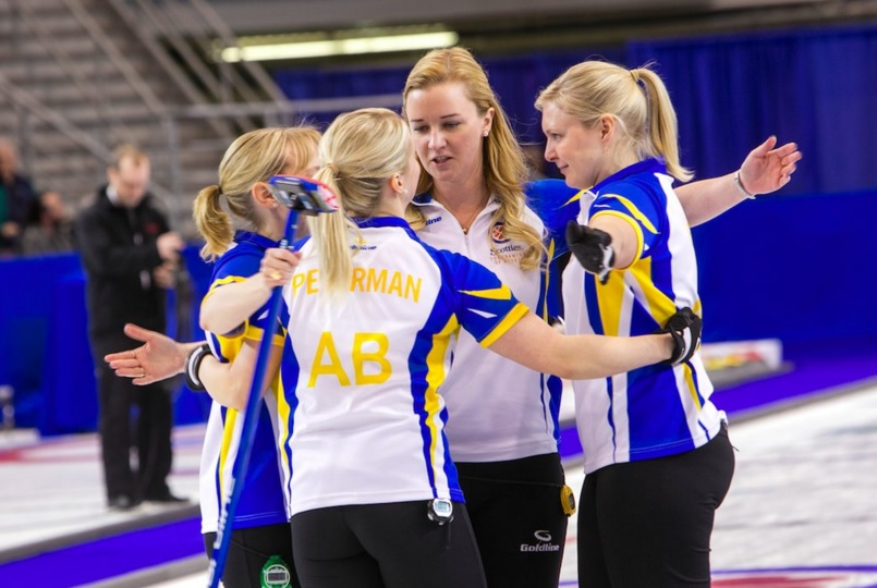 Chelsea Carey (center) with Team Alberta. (Twitter photo)