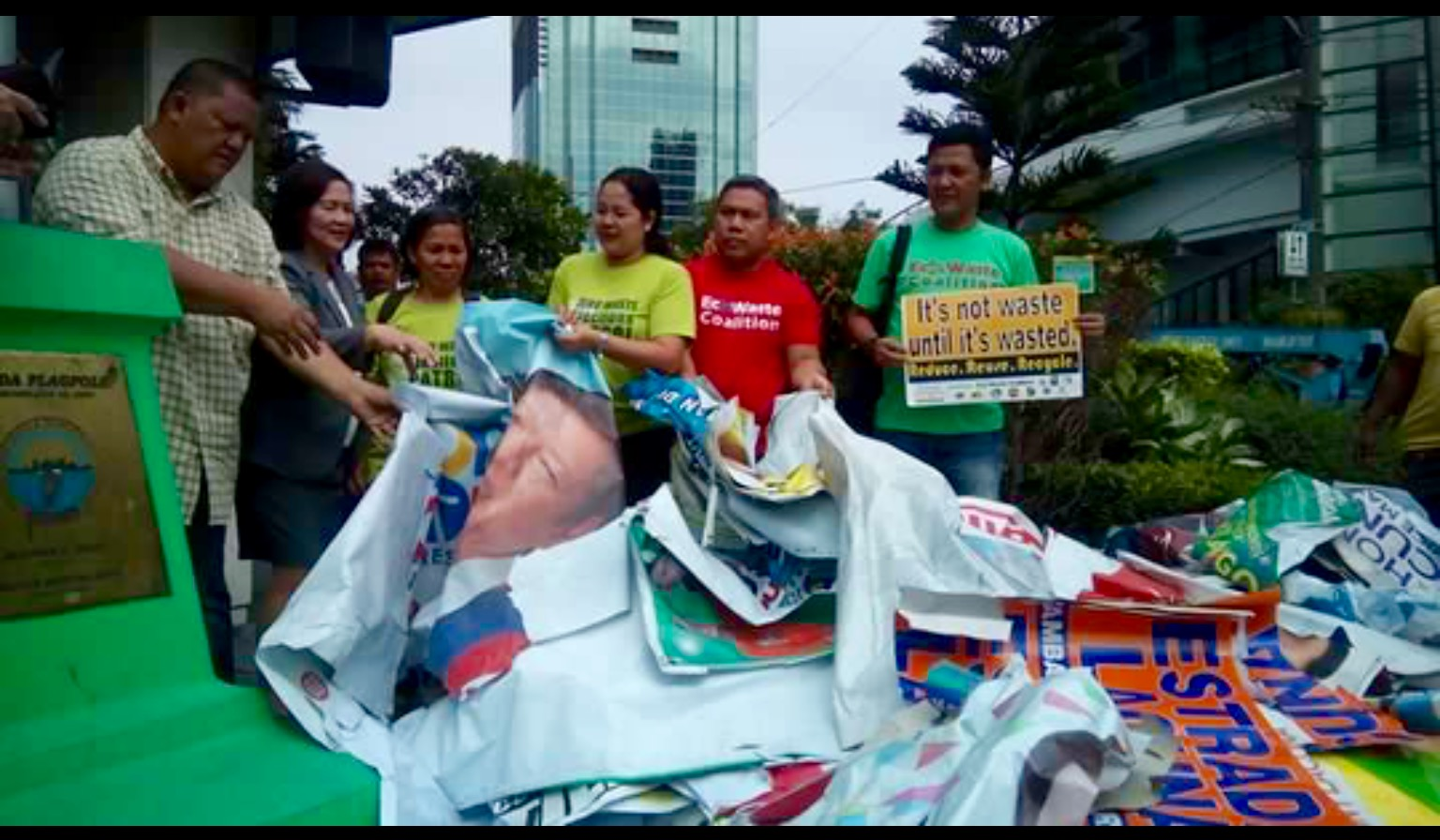 MMDA turns over illegally posted campaign materials to Ecowaste Coalition for recycling (PNA photo).