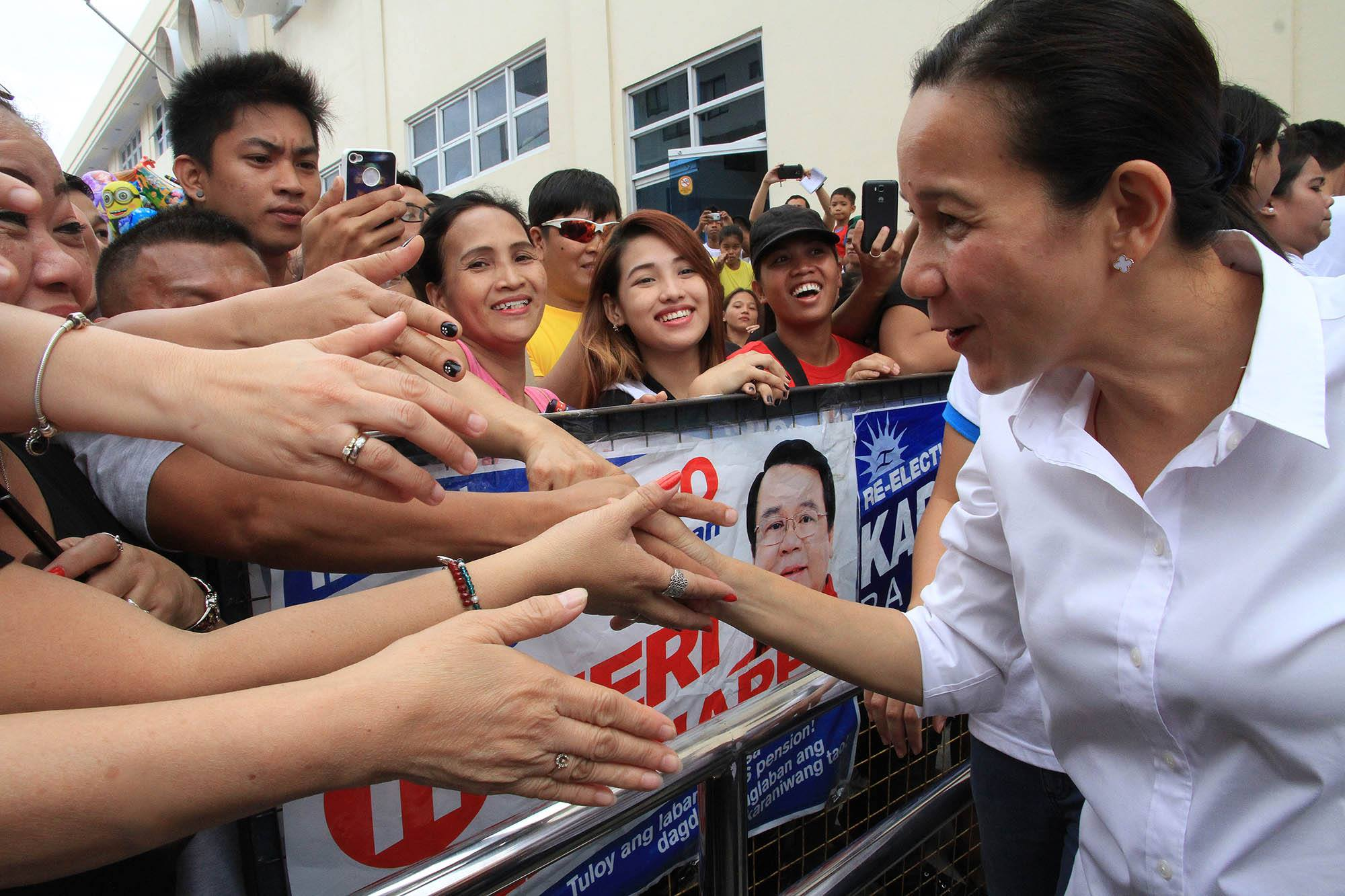 Presidential candidate Grace Poe on Thursday said that LRT south extension will be her priority. (Facebook photo)
