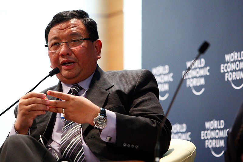 Foreign Affairs Secretary Jose Almendrascaptured during the World Economic Forum in Vietnam on 2010. (Photo by Sikarin Thanachaiary/World Economic Forum)