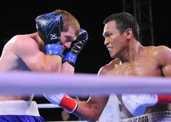 Filipino boxer Charly Suarez (right) has earned ticket to the 2016 Olympic Games in Rio de Janeiro. (Facebook photo)