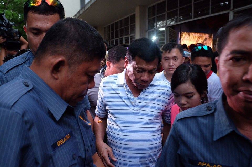 The complainants said Davao City Mayor Rodrigo Duterte (center) violated a law protecting women's rights through a string of actions, including his rape comment.  (Photo: Rody Duterte/Facebook)
