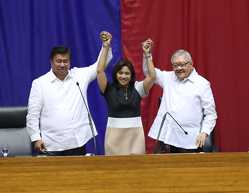 PROCLAMATION: Senate President Franklin Drilon and House Speaker Feliciano Belmonte Jr. proclaim Davao Mayor Rodrigo Duterte (not in photo) and Camarines Sur Representative Leni Robredo as the country's duly elected President and Vice President, May 30, 2016. Duterte announced earlier that he will not attend the proclamation. (Photo: Albert Calvelo/PRIB)