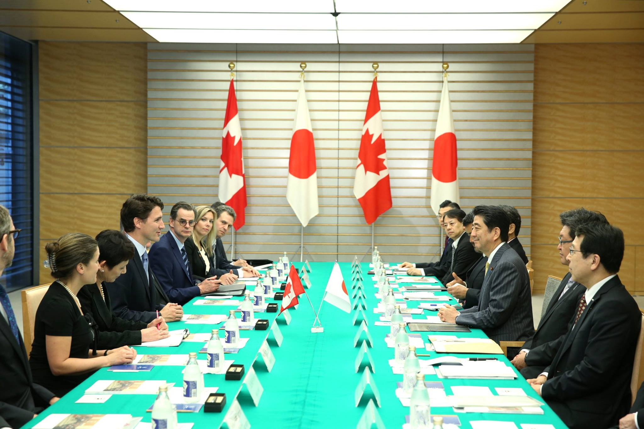Prime Minister Justin Trudeau meets with his counterpart, Japanese Prime Minister Shinzo Abe. (Photo: Justin Trudeau/Facebook)
