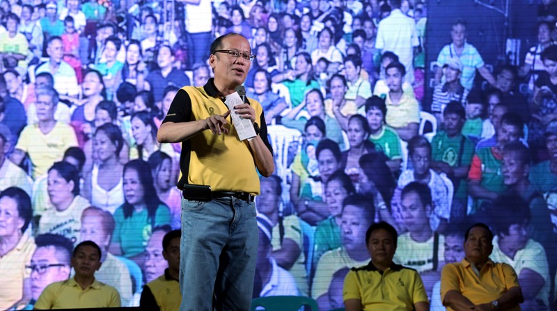 "Liberal Party (LP) chairman President Benigno ""Noynoy"" Aquino III delivers his speech during the Meeting with Local Leaders and the Community at Parañaque City Redemptorist Road Brgy. Baclaran Parañaque City Friday (May 06, 2016). (Photo: Joseph Vidal/ Malacañang Photo Bureau)"