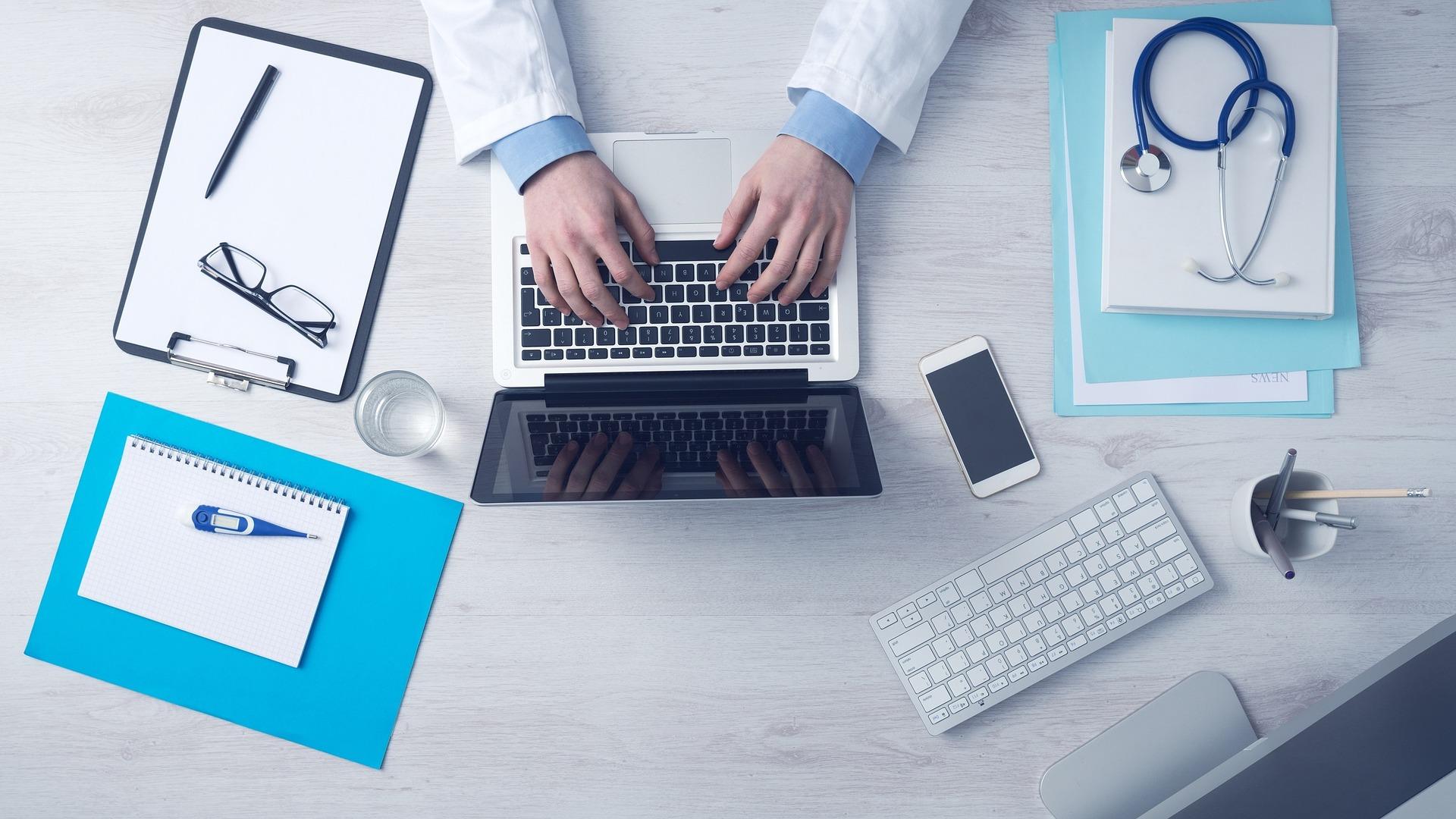 computer doctors social media doctor medicine