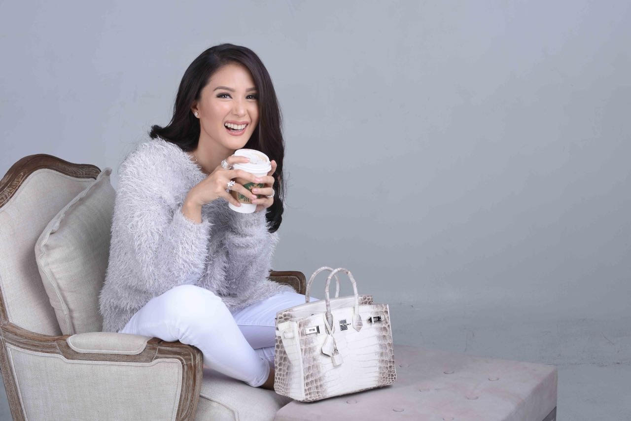0aac510d6ad Philippine TV s Sweetheart Heart Evangelista-Escudero with her  25-centimeter Himalayan Birkin. (