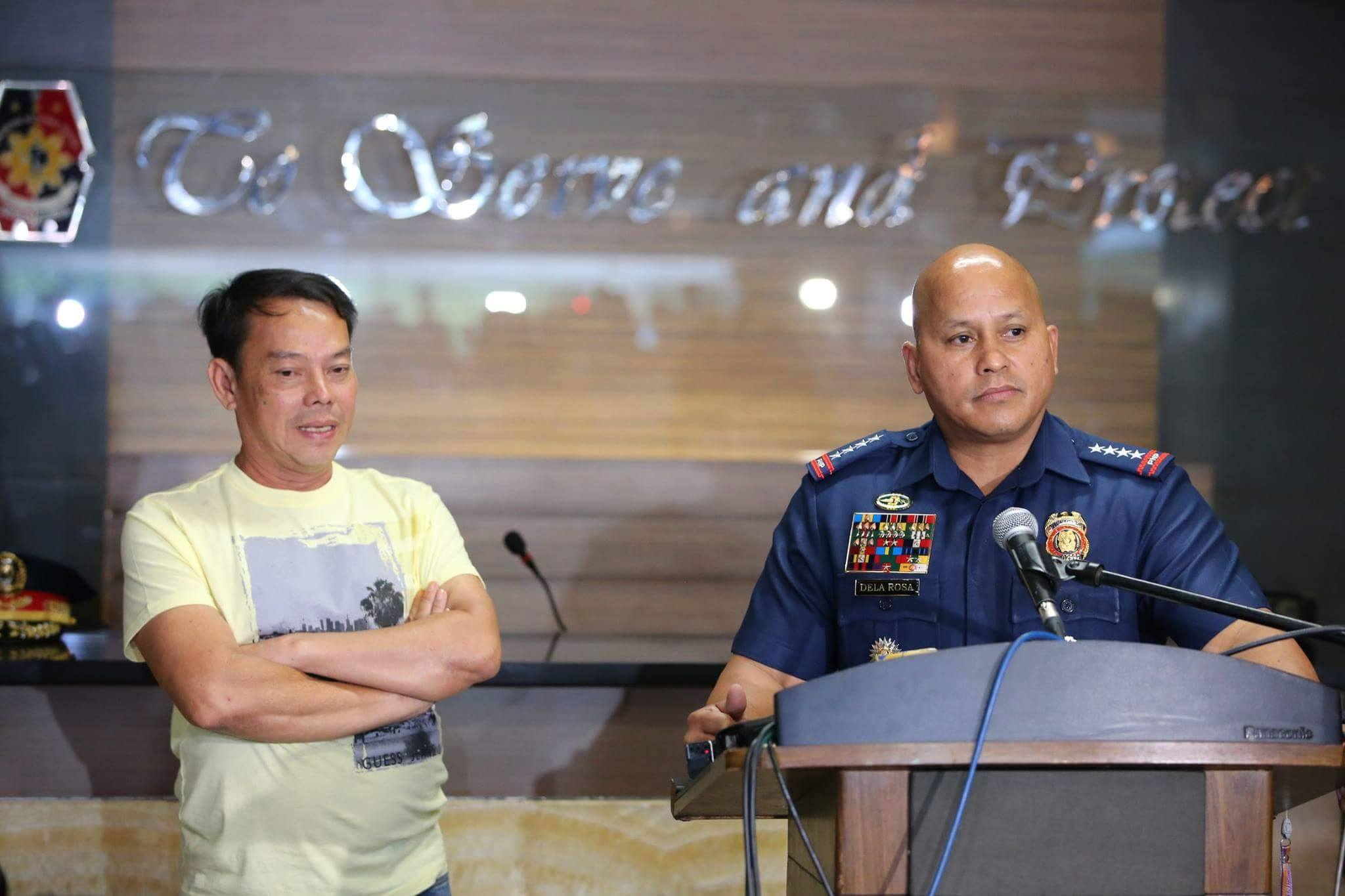 "PNP Chief Ronald ""Bato"" Dela Rosa (right) with Albuera, Leyte Mayor Rolando Espinosa, Sr.  (Photo: PNP's official Facebook page)"