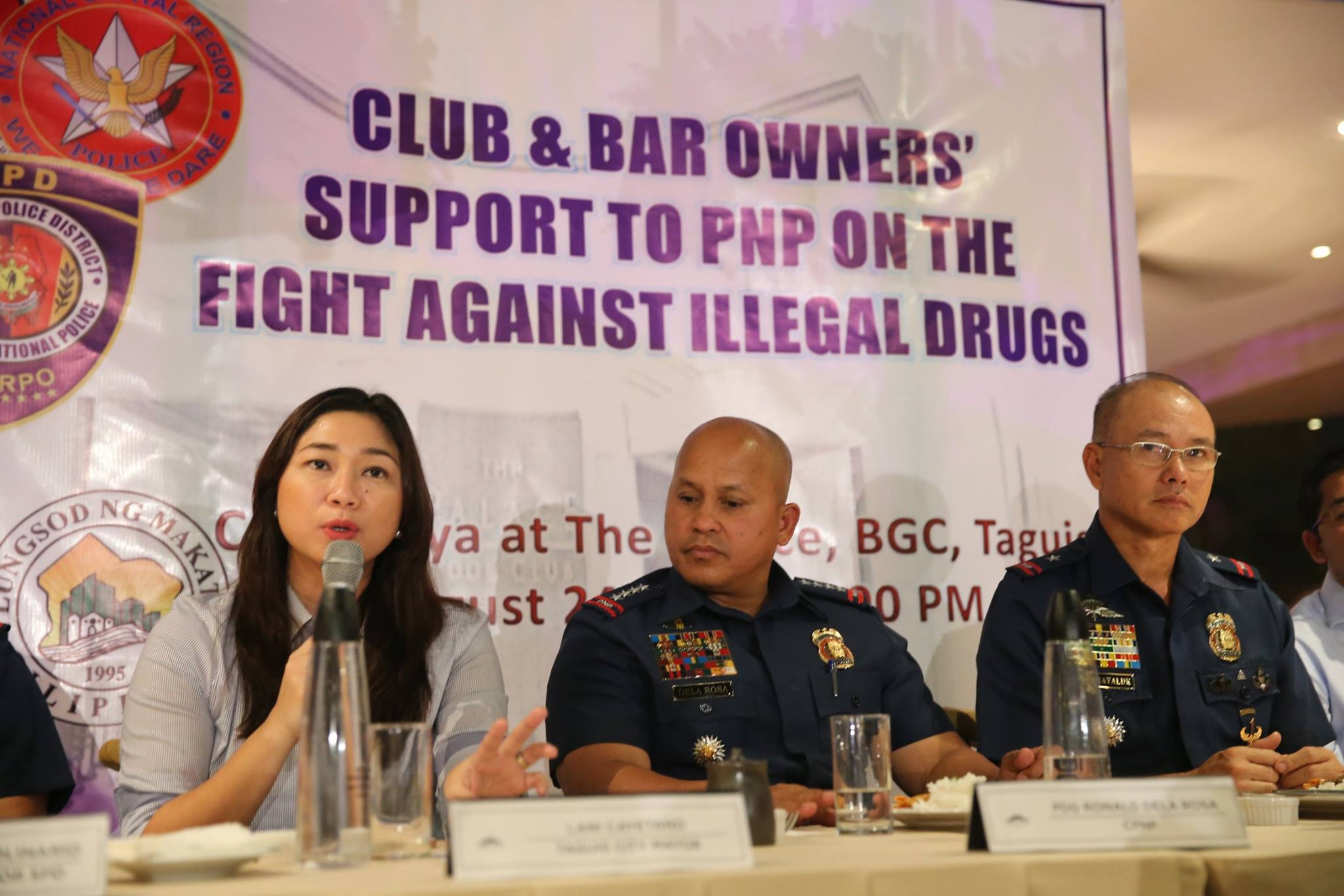 Club and bar owners pledged their support to the PNP's fight against illegal drugs through an affidavit of undertaking yesterday in Taguig City. (Photo: PNP-PIO)