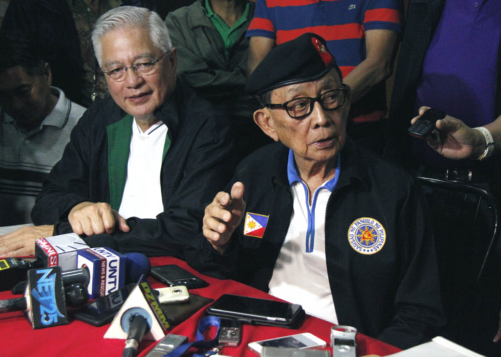 Former President and Special Envoy to China, Fidel V. Ramos (right), in a press conference on Saturday together with former Department of Interior and Local Government Secretary Rafael Alunan III (left) at Camp General Emilio Aguinaldo in Quezon City, says he will report first to his appointing authority, President Rodrigo Roa Duterte, before planning to go to Beijing, China for official talks. The former president met with ranking Chinese officials in Hong Kong last Aug. 10 to 11. (PNA photo by Joey O. Razon)