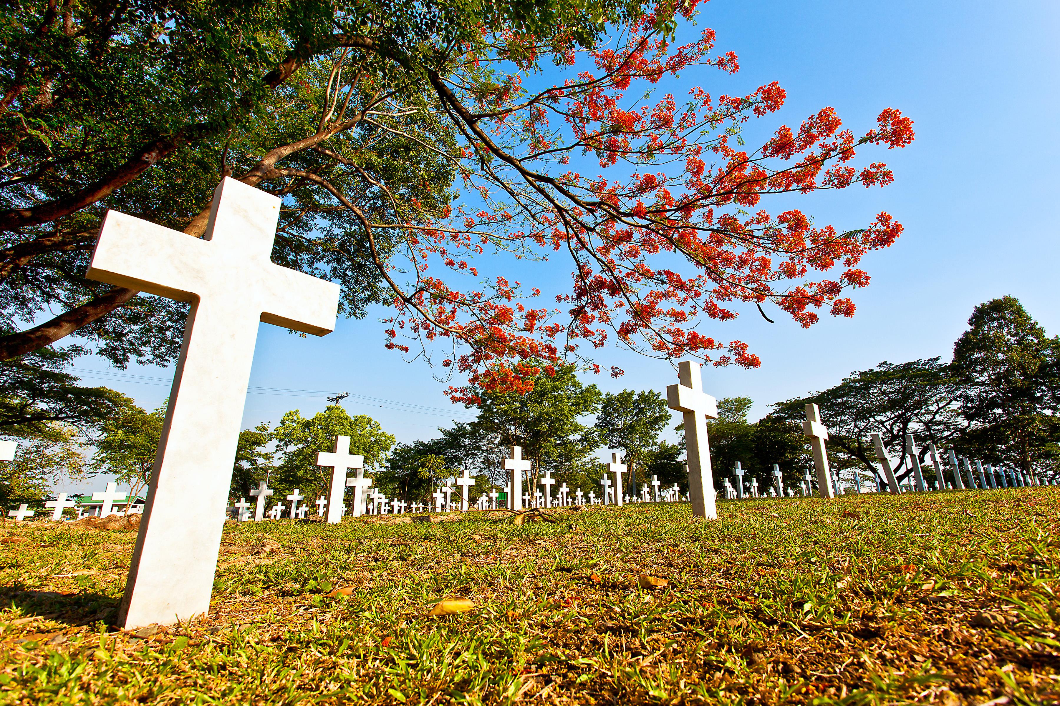 Libingan ng mga Bayani (Heroes' Cemetery). (Photo by RJCabagnot - Own work, CC BY-SA 3.0.)