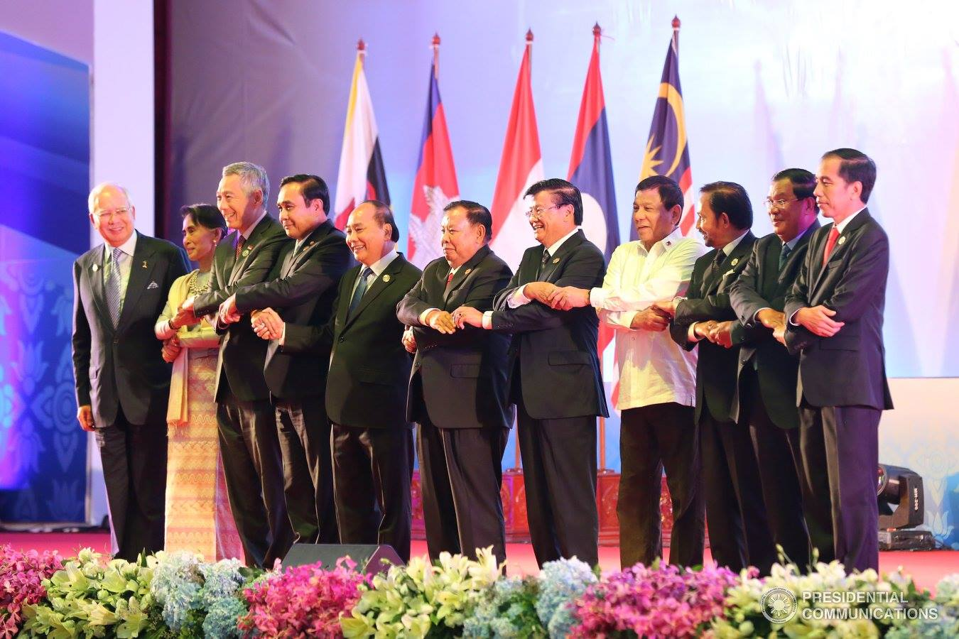 Southeast Asian leaders at the 28th ASEAN Summit in Vientiane, Laos on September 6, 2016. (PCO photo)