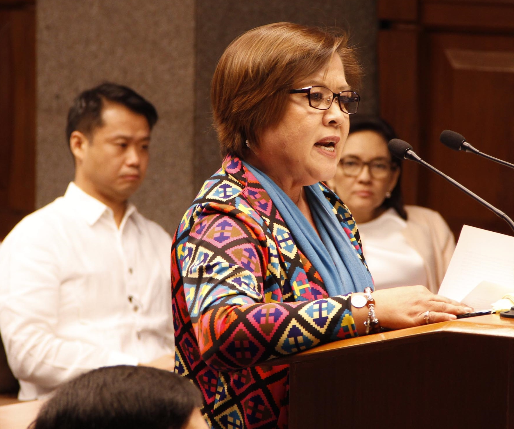 Senator Leila De Lima shows in a Powerpoint presentation a list of alleged Davao Dead Squad Hitmen (DDS) according to Edgar Matobato, the witness that De Lima earlier presented, during her privilege speech on Tuesday (September 20, 2016) at the Senate in Pasay City. (Photo: Jess Escaros Jr./PNA)