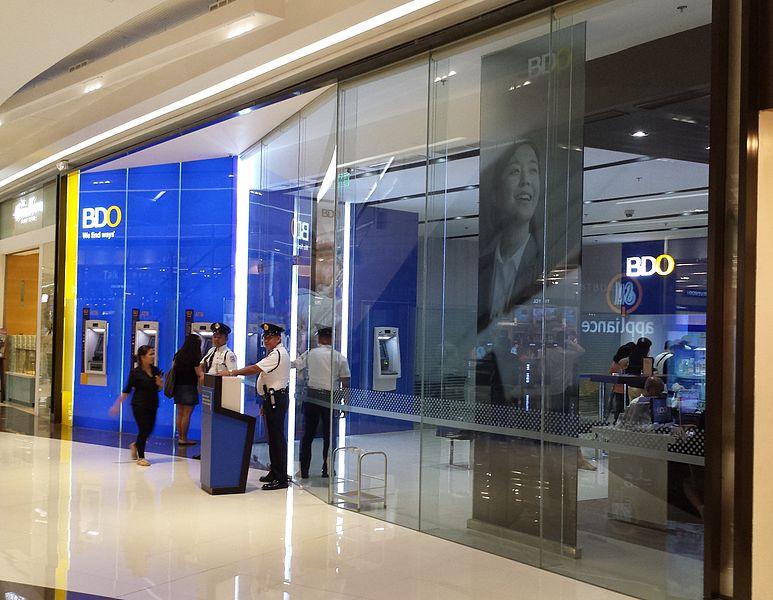 Banco de Oro in the shopping mall 'SM Aura Premier' in Bonifacio Global City, Metro Manila, Philippines. (Photo: Hans Olav Lien/Wikipedia)