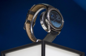 Samsung will still sell last year's S2 to those who consider the S3 too big on their wrist. As with the S2, the outer ring of the watch face rotates to let you scroll through notifications and apps. (Photo: Samsung Mobile's official Instagram account)