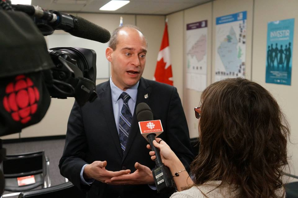 Caron, a former economist who hopes to position himself as a would-be leader with financial acumen, announced his plans alongside his wife and two children at a news conference at a log cabin in Gatineau, Que. (Photo: Guy Caron/ Facebook)
