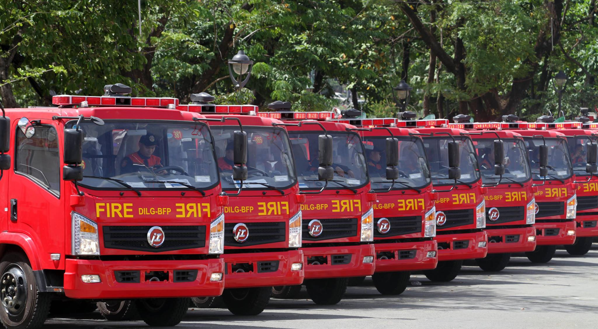 Eighteen fire trucks, 12 water tankers, and thousands of trained emergency responders nationwide—the Philippine Red Cross (PRC) is on full alert 24/7 to respond to fire incidents that are expected to come out this fire season. (Photo: Official Gazette of the Republic of the Philippines/Facebook)