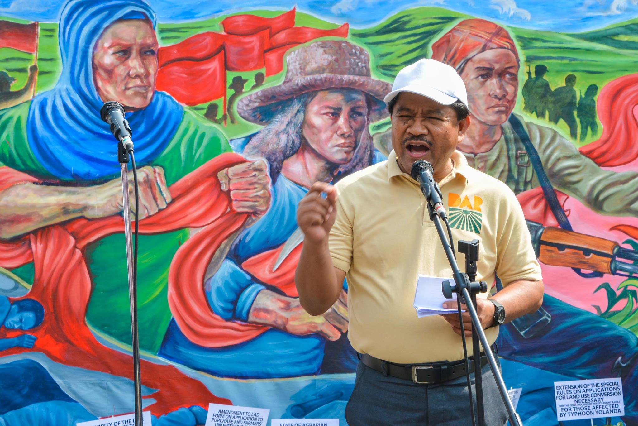 Presidential Spokesperson Ernesto Abella said the Palace is pleased that Department of Social Welfare and Development Sec. Judy Taguiwalo, Department of Agrarian Reform Sec. Rafael Mariano (Pictured) and National Anti-Poverty Commission Lead Convenor Sec. Liza Maza decided to stay despite the scrapping of peace talks with Communist Party of the Philippines-New People's Army-National Democratic Front of the Philippines (CPP-NPA-NDFP). (Photo: Rafael Mariano/ Facebook)