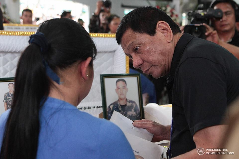 Duterte on Monday midnight, February 20, first visited the wake of Army Major Jerico Mangalus at the Villamor Air Base (VAB) Mortuary in Pasay City. (File photo: Presidential Communications (Government of the Philippines)/ Facebook)