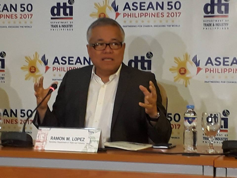 "Supply and prices of goods in earthquake-hit Surigao del Norte remain ""normal"", Department of Trade and Industry (DTI) Sec. Ramon Lopez assured Monday. (Photo: PTV/Facebook)"