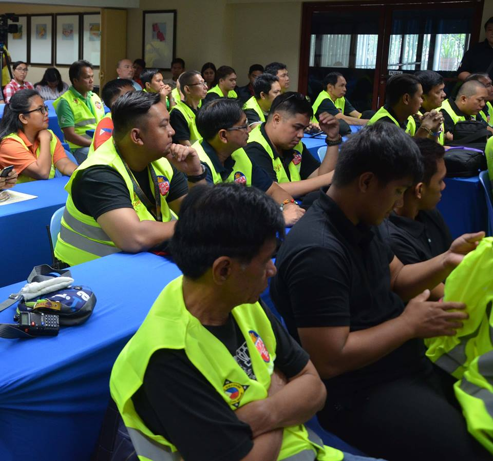 The Metropolitan Manila Development Authority (MMDA) is eyeing to deploy around 500 volunteers to assist its regular traffic enforcers on traffic management in Metro Manila. (Photo: MMDA/Facebook)
