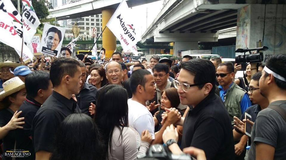 Former President Benigno Aquino III, Senator Franklin Drilon, Senator Paolo Benigno Aquino IV and Senator Francis Pangilinan joined the protesters at the People Power Monument which was estimated to be around 1,200 as of 8:00 p.m. Saturday. (Photo: Bam Aquino/ Facebook)
