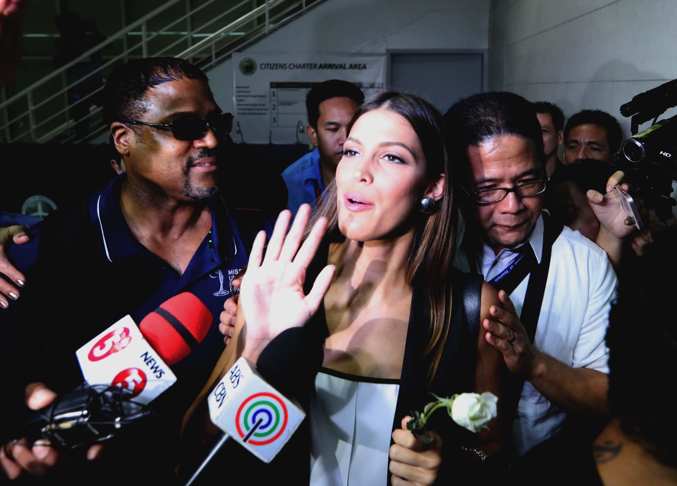 Miss Universe leaves Manila to start official duties in US (Photo:  Avito C. Dalan/PNA)