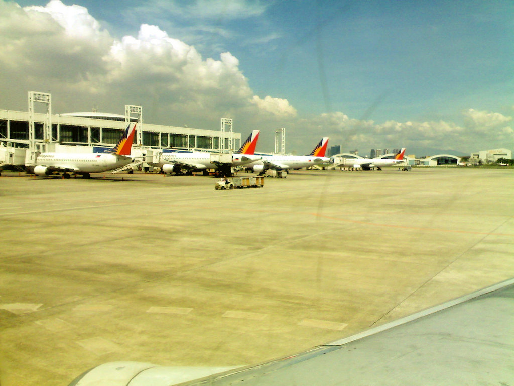 Philippine officials say the government is considering adding airports to serve the capital Manila and nearby areas, including a sprawling airport city complex that could handle 100 million passengers a year. (Photo: Ironchefbalara/ Flickr)