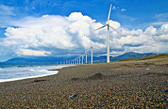 Wind turbines in Bangui, Ilocos Norte. (Photo: fitri agung/flickr)